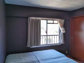 洗面リフォーム 顔がはっきり見える明るい洗面台と、落ち着く寝室